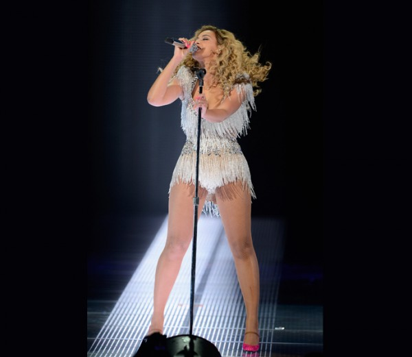 Beyonce Shows Off 60 Pound Weight Loss at Concert