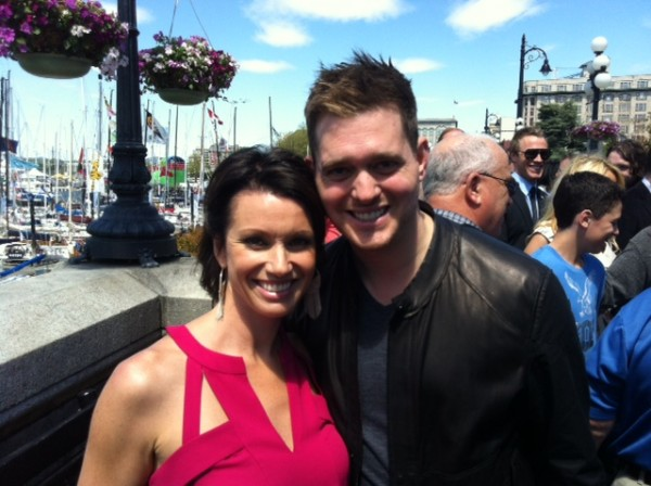 Erin Cebula Chats Exclusively With Michael Buble In Victoria