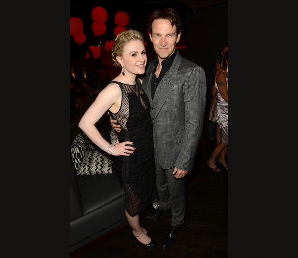 Anna Paquin Puts Bump On Display At &#8216;True Blood&#8217; Premiere