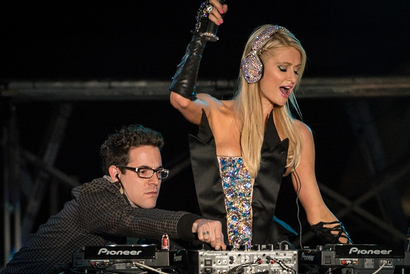 Deadmau5 Disses DJ Paris Hilton