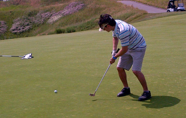 Fore! Rick Campanelli&#8217;s Smokin&#8217; Hot Day of Golf