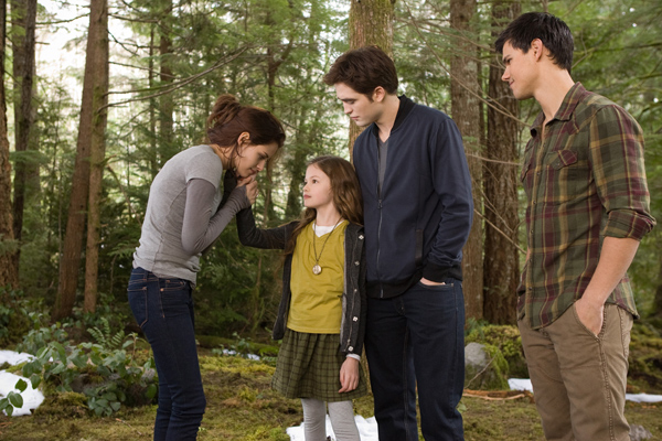 New Pics: 'The Twilight Saga: Breaking Dawn – Part 2′