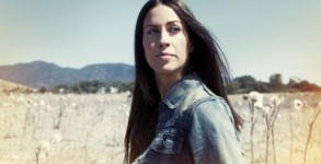 o-ALANIS-MORISSETTE-570