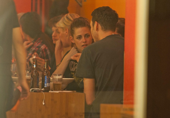 Kristen Stewart Comes Out of Hiding