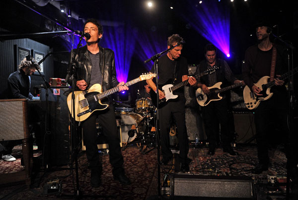 The Wallflowers Reunite on 'Live On Letterman'