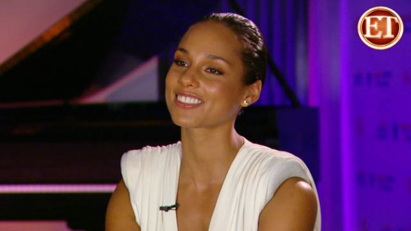 Alicia Keys: I Have to &#8216;Bust My Ass&#8217; To Stay Fit