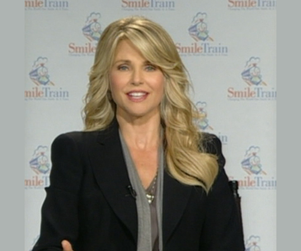 Christie Brinkley Smiling for a Good Cause