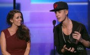 Justin Bieber Wins Big at AMA Awards