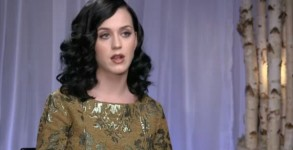 Katy Perry opens up to Roz Weston in ET Canada's exclusive interview with the Prism superstar