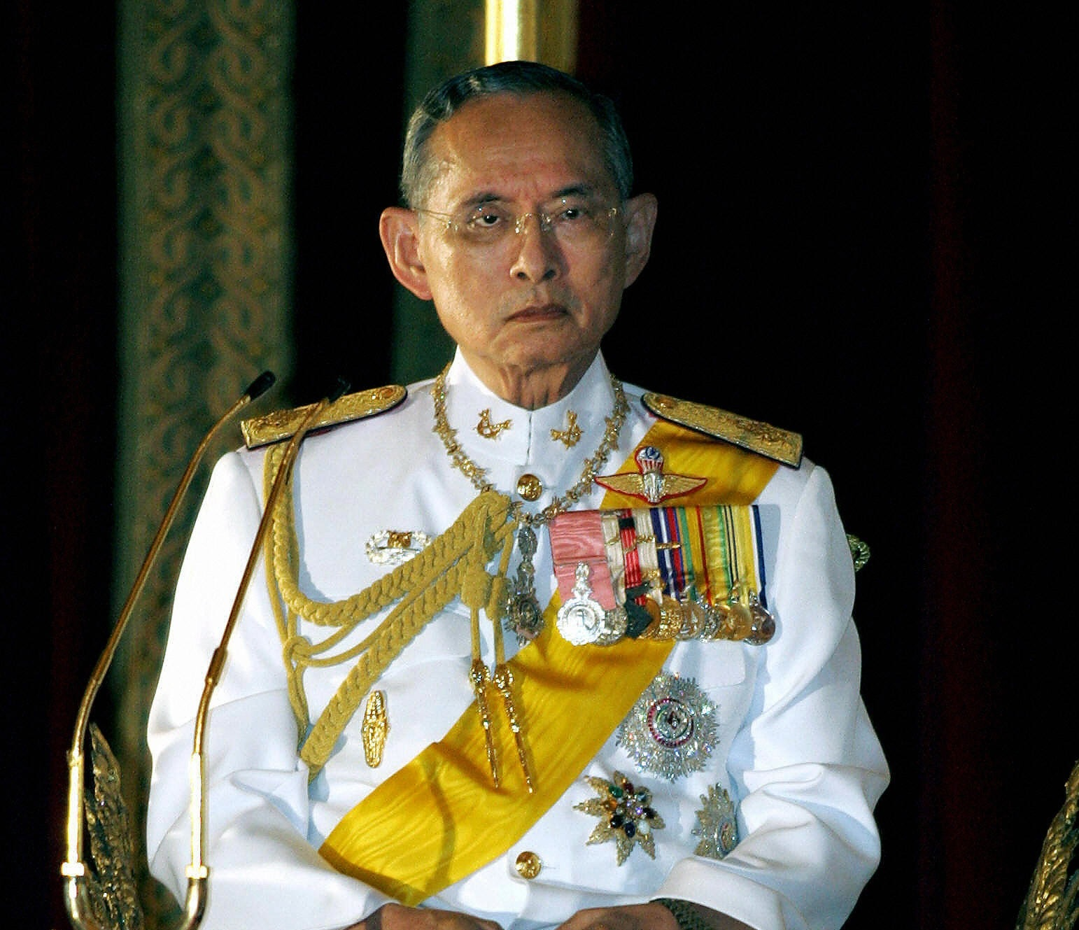 the king of thailand Probably the fastest selling book ever in thailand is the book written by the longest reigning king in the world today thailand's beloved his majesty king bhumibol adulyadej about this favorite dog.
