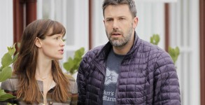 BEN AFFLECK AND JENNIFER GARNER DISPEL DIVORCE RUMORS
