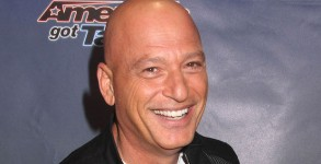 Aug. 27, 2015 - New York, New York, U.S. - HOWIE MANDEL attends the red carpet arrival for 'America's Got Talent' Season 10 held at Radio City Music Hall(Credit Any Usage: