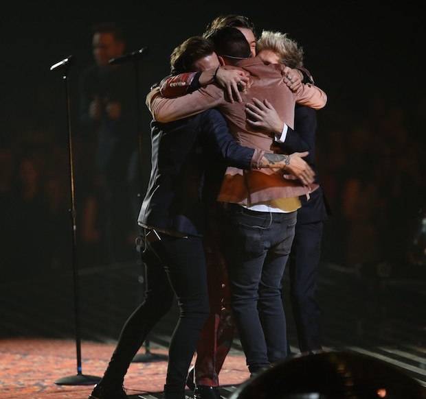 Watch One Direction Says Goodbye With Farewell Performance On X