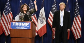 "SATURDAY NIGHT LIVE -- ""Ronda Rousey"" Episode 1694 -- Pictured: (l-r) Tina Fey as Sarah Palin and Darrell Hammond as Donald Trump during the ""Palin Endorsement Cold Open"" sketch on January 23, 2016 -- (Photo by:"