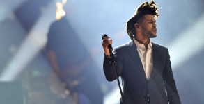 HAMILTON, ON - MARCH 15:  The Weeknd performs at the 2015 JUNO Awards at FirstOntario Centre on March 15, 2015 in Hamilton, Canada.  (Photo by Sonia Recchia/Getty Images)
