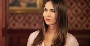 "NEW GIRL:  Guest star Megan Fox in the ""Reagan"" episode of NEW GIRL airing Tuesday, Feb. 9 (8:00-8:30 PM ET/PT) on FOX.  ©2016 Fox Broadcasting Co.  Cr:"