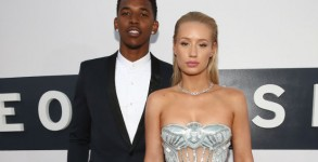 iggy-azalea-nick-young-wedding-postponed