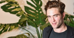 robert-pattinson-fashion-designer