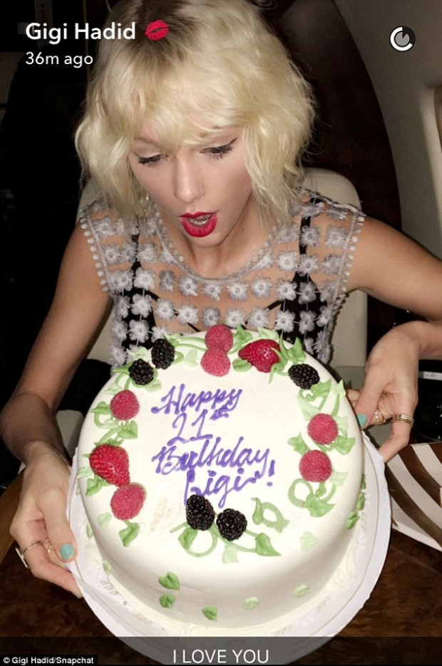 Taylor Swift Gives Gigi Hadid Cake On A Plane For Her 21st Birthday