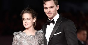 VENICE, ITALY - SEPTEMBER 05:  Kristen Stewart and Nicholas Hoult attend the premiere of 'Equals' during the 72nd Venice Film Festival at the Sala Grande on September 5, 2015 in Venice, Italy.  (Photo by