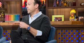 WATCH WHAT HAPPENS LIVE -- Episode 13069 -- Pictured: Jason Sudeikis -- (Photo by: