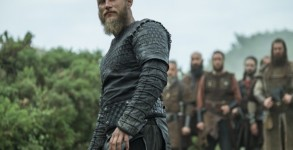 Travis-Fimmel-stars-as-Ragnar-Lothbrok-in-episode-10-entitled-The-Last-Ship-mid-season-finale-of-History-Channels-Vikings-Season-4-670x447