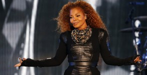 US singer Janet Jackson performs during the Dubai World Cup horse racing event on March 26, 2016 at the Meydan racecourse in the United Arab Emirate of Dubai. Janet Jackson returned to the stage after a four-month hiatus for mysterious health reasons, bringing her energetic dance show to Dubai.   / AFP / KARIM SAHIB        (Photo credit should read
