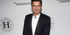 CANNES, FRANCE - MAY 16:  Orlando Bloom attends The Harmonist Cocktail Party during The 69th Annual Cannes Film Festival at Plage du Grand Hyatt on May 16, 2016 in Cannes.  (Photo by Clemens Bilan/Getty Images for The Harmonist)