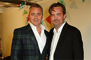 Joey And Chandler Get Friendly In London, Baby!